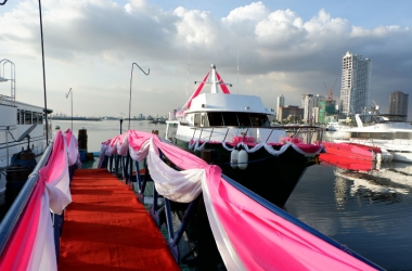 decorations yacht party rental